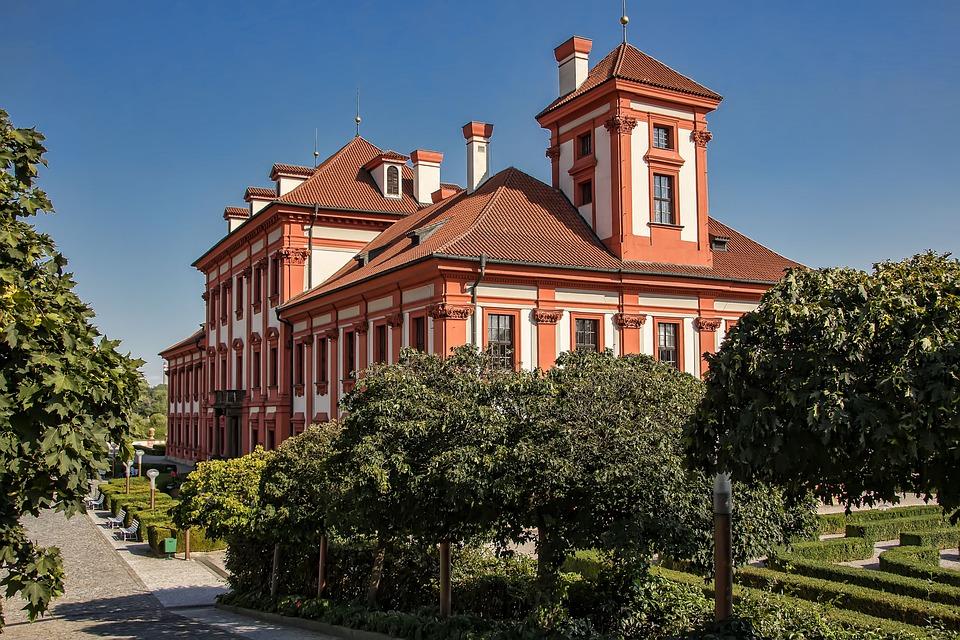 zámek Trója